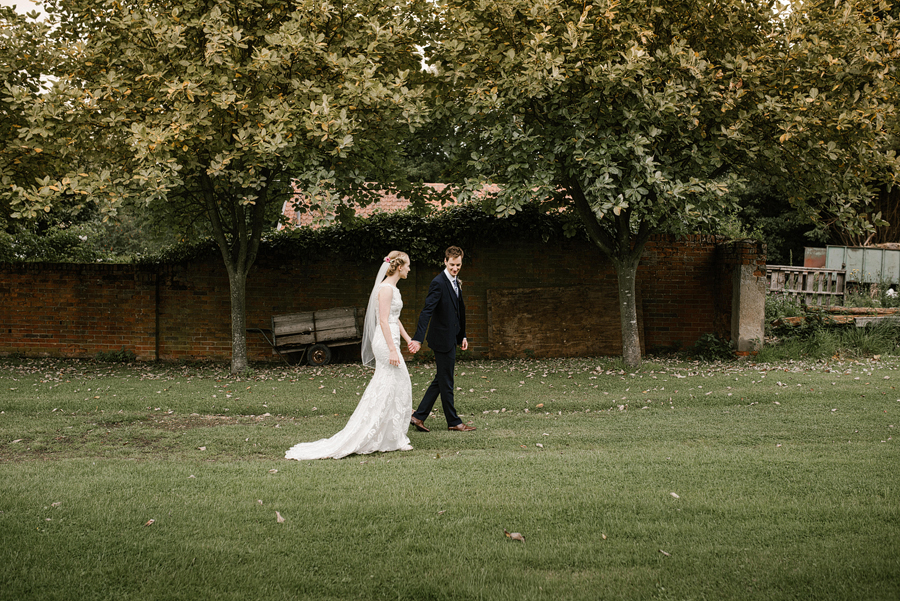 Suffolk Wedding Photographer, Beautiful Countryside Wedding at the Granary Barns